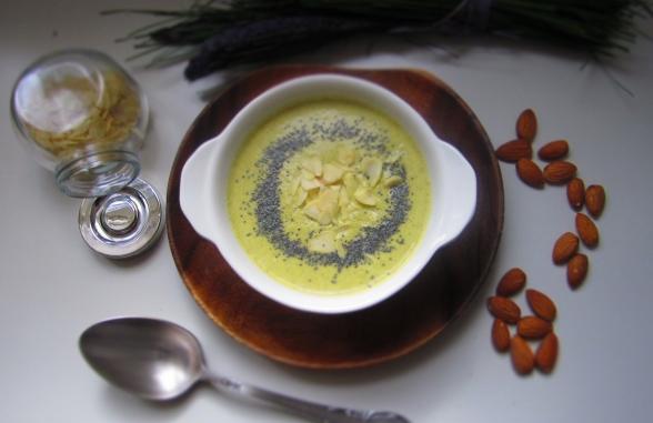 Deliciosamentesano crema de brocoli y almendras 1