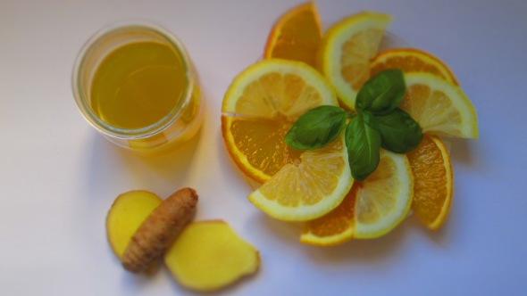 Deliciosamente Sano Limonada de Cúrcuma (3)